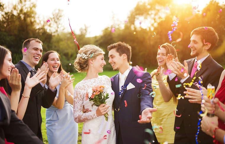 Como se organizan las mesas en bodas