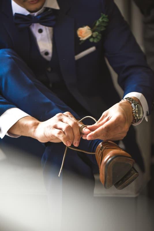 traje y zapatos para novio