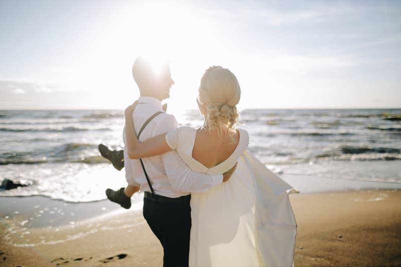 esmoquin y tipos de traje para bodas