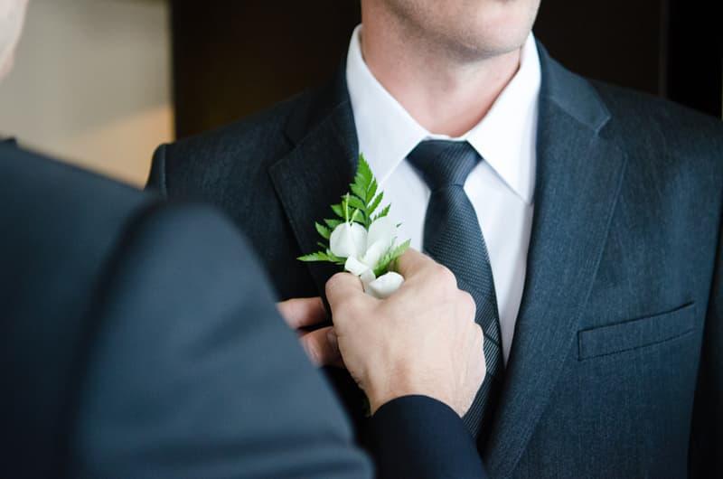errores que debes evitar al comprar tu traje de novio para tu boda