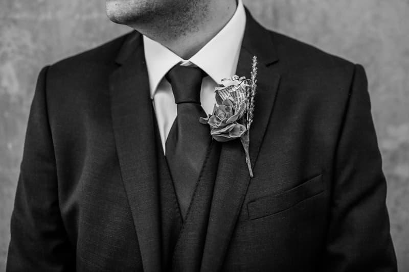 llevar corbata o corbatín para tu boda